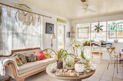 Fredericksburg Single Family Home For Sale: 1201 Crenwelge Dr