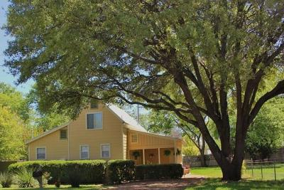 Gillespie County Single Family Home For Sale: 207 N Acorn St