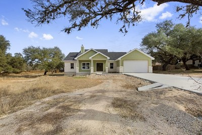 Blanco County Single Family Home For Sale: 113 Winding Oak Dr
