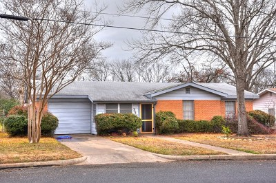 Gillespie County Single Family Home For Sale: 326 W Burbank St