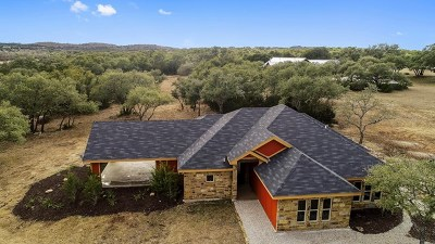 Blanco County Single Family Home For Sale: 106 S Vaquero Dr