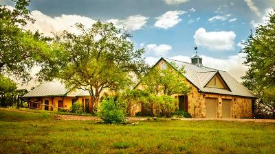 Blanco County Single Family Home For Sale: 465 Landon's Way
