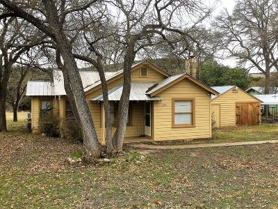 Kerrville Single Family Home For Sale: 692 Town Creek Rd