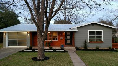 Fredericksburg TX Single Family Home Under Contract W/Contingencies: $349,900