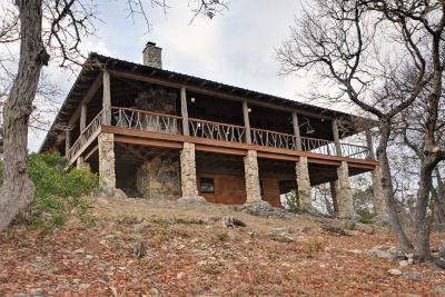 Kerr County Single Family Home For Sale: 600 Overland Trail