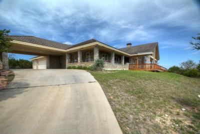 Kerrville Single Family Home For Sale: 126 Oakcrest Way