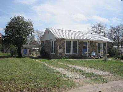 Mason County Single Family Home Under Contract: 817 S Live Oak St