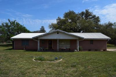 Mason County Single Family Home Under Contract W/Contingencies: 311 S Live Oak St