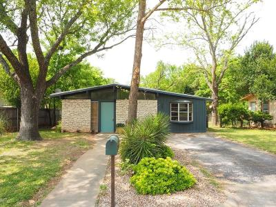 Fredericksburg Single Family Home For Sale: 207 W Mulberry St
