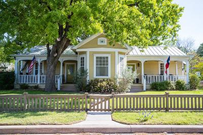 Fredericksburg Single Family Home For Sale: 408 E Orchard St