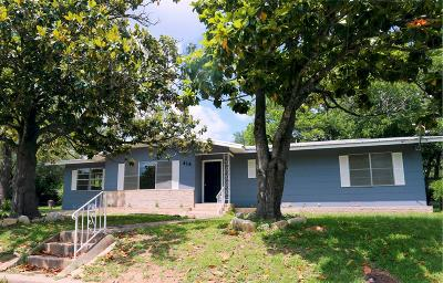 Gillespie County Single Family Home For Sale: 414 W Hackberry