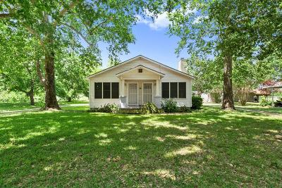Blanco County Single Family Home For Sale: 208 E Ash Dr