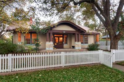 Fredericksburg Single Family Home For Sale: 313 E San Antonio St