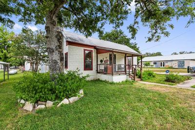 Blanco County Single Family Home For Sale: 105 Ranchview