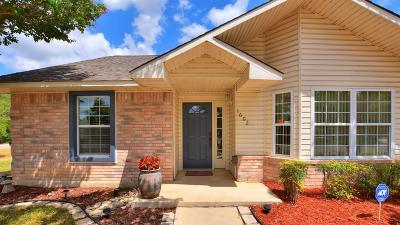 Kerr County Single Family Home Under Contract W/Contingencies: 1602 N Silver Saddle Dr.