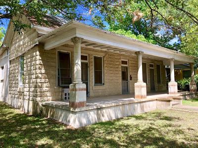 Fredericksburg TX Single Family Home Under Contract: $365,000