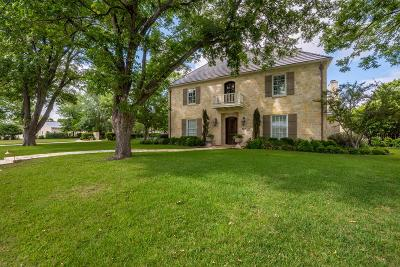 Fredericksburg Single Family Home Under Contract W/Contingencies: 707 W Creek St
