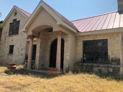 Gillespie County Single Family Home For Sale: 520 NW Isaacs Mountain Rd