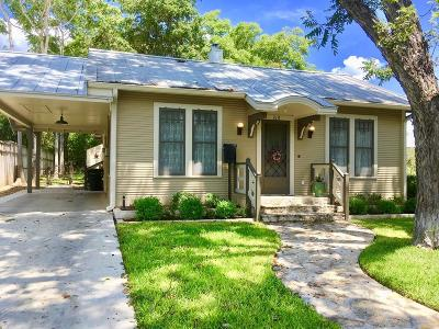 Fredericksburg Single Family Home For Sale: 210 E Travis St