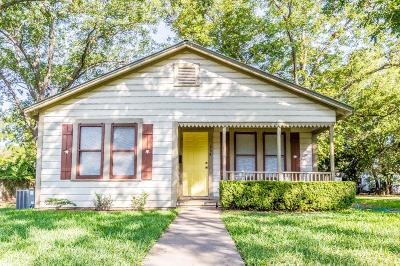 Fredericksburg Single Family Home For Sale: 204 S Edison St