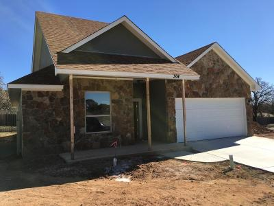 Gillespie County Single Family Home For Sale: 304 Winston Dr