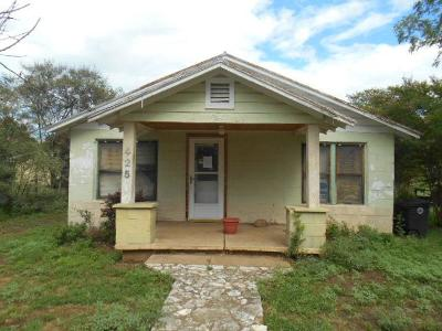 Mason County Single Family Home For Sale: 426 S Pecan St