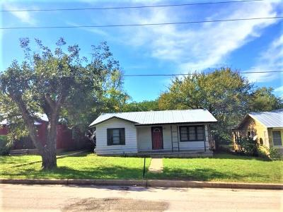Llano County Single Family Home For Sale: 1007 Flag St