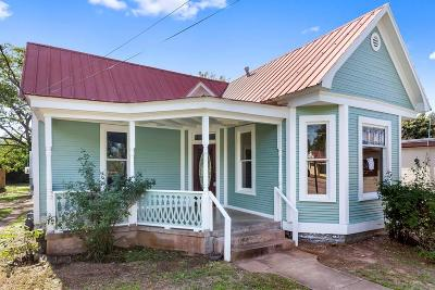 Gillespie County Single Family Home For Sale: 411 E Main St