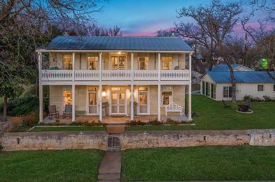 Fredericksburg Single Family Home For Sale: 112 E Schubert St