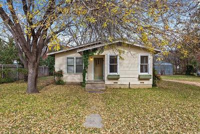 Gillespie County Single Family Home For Sale: 512 W College St