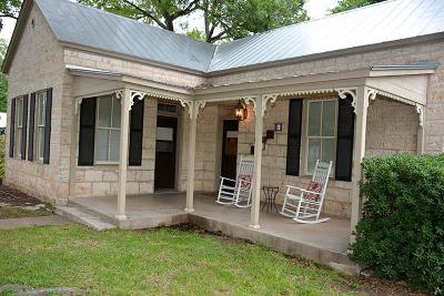 Single Family Home For Sale: 803 N Llano St