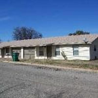 Llano Single Family Home Under Contract: 101 E Granite