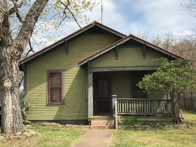Gillespie County Single Family Home Under Contract W/Contingencies: 320 W Orchard St