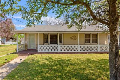 Fredericksburg Single Family Home For Sale: 214 W College St