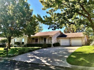 Fredericksburg Single Family Home For Sale: 103 Glenmoor Dr