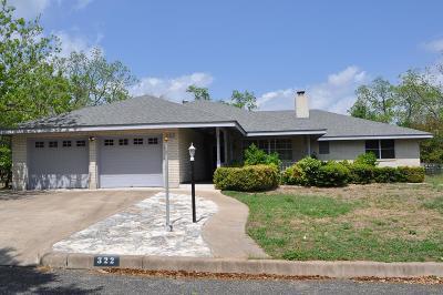 Single Family Home Under Contract W/Contingencies: 322 W Nimitz St
