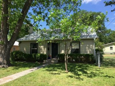 Single Family Home For Sale: 304 W Hackberry