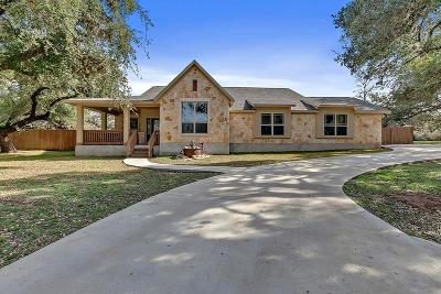 Blanco County Single Family Home For Sale: 109 Leaning Oak Cir