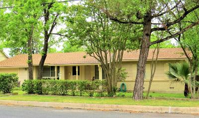 Fredericksburg Single Family Home For Sale: 610 W Travis St
