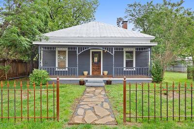 Fredericksburg Single Family Home For Sale: 902 E Austin St