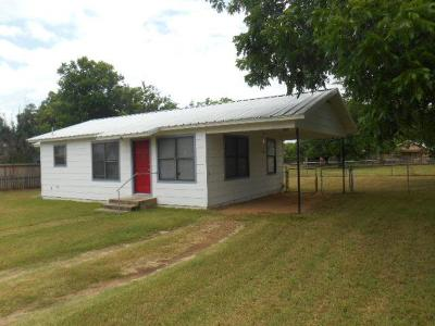 Mason County Single Family Home For Sale: 616 N Live Oak St