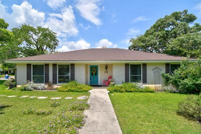 Kerrville Single Family Home For Sale: 1212 Oriole Dr.