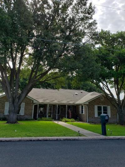 Gillespie County Single Family Home For Sale: 106 NW Tanglewood Dr