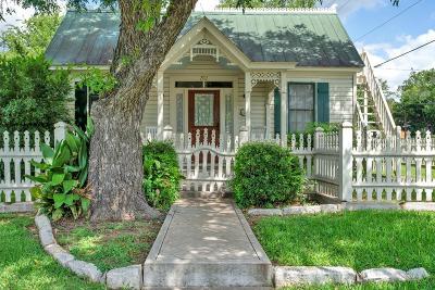 Fredericksburg Single Family Home For Sale: 202 S Acorn St