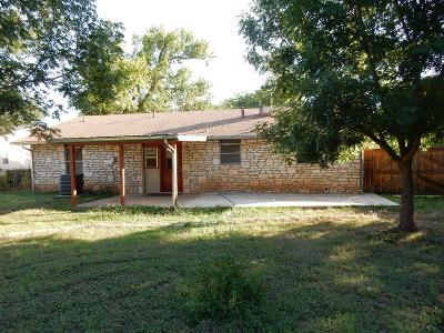 Single Family Home For Sale: 512 W Hackberry