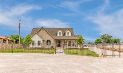 Clint Single Family Home For Sale: 204 Jeff Jones Drive