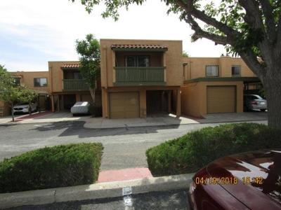 Condo/Townhouse For Sale: 1644 Lomaland Drive #106