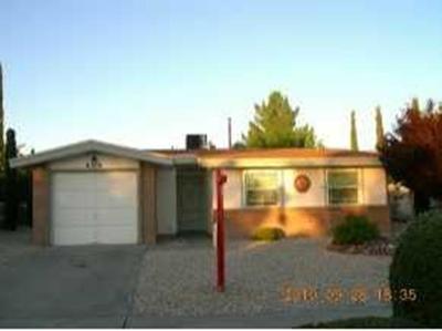 Single Family Home For Sale: 8500 Lakehurst Road