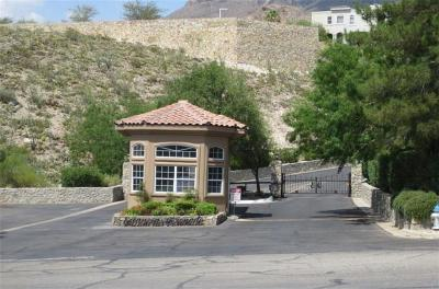 El Paso Single Family Home For Sale: 105 Calle Corrales
