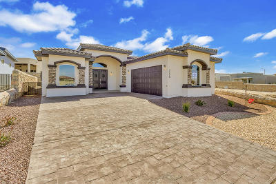 Single Family Home For Sale: 7776 Enchanted View Drive